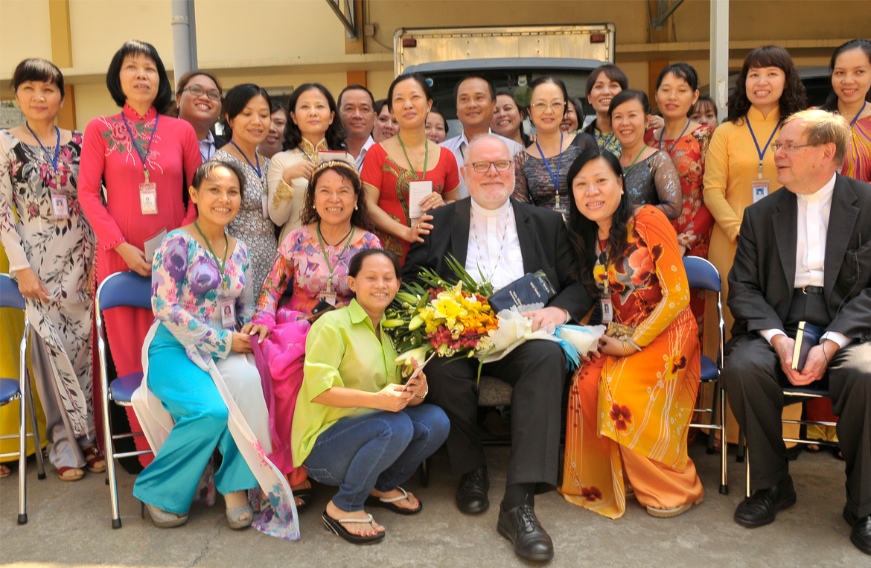 Kardinal Marx besucht Open Factory