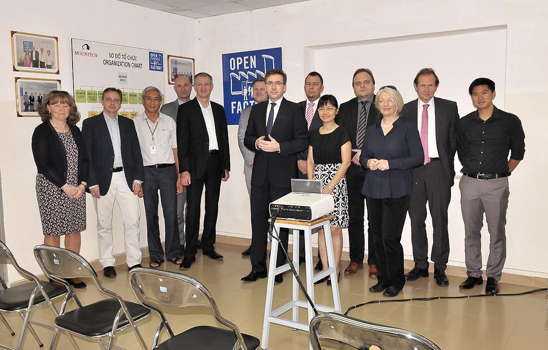 Eine Abordnung des Ministeriums für Wirtschaft, Wissenschaft und Digitalisierung Sachen-Anhalts besuchen die Open Factory